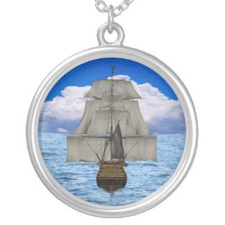 Ship sailing pendant