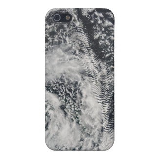 Ship-wave-shaped wave clouds 2 iPhone 5/5S cases