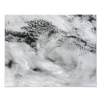 Ship-wave-shaped wave clouds 2 photo