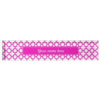 Shocking Pink Quatrefoil Pattern Nameplate