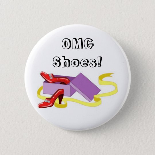 Shoes and shoe box 6 cm round badge