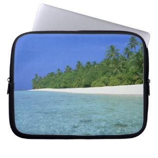 Shore 14 laptop sleeve