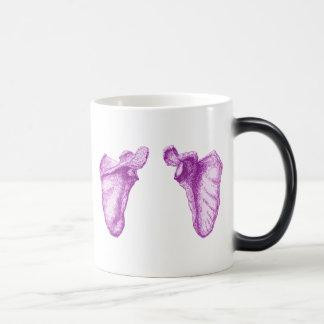 Shoulder blades morphing mug