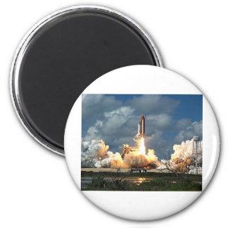 shuttle launch 6 cm round magnet