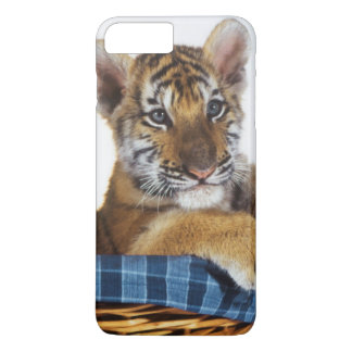 Siberian Tiger Cub in basket iPhone 8 Plus/7 Plus Case