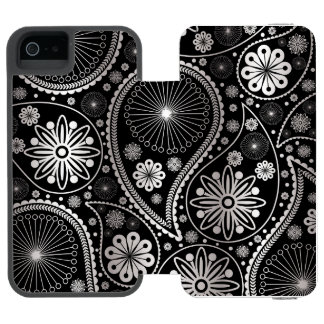 Silver paisley pattern incipio watson™ iPhone 5 wallet case