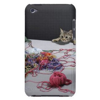 Silver tabby cat climbing over edge of table Case-Mate iPod touch case