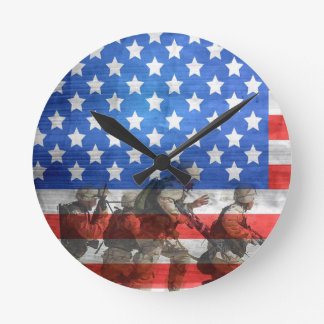 Simple and Colorful Soldiers and American Flag Round Clock
