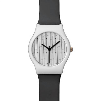 Simple black & white line pattern watch