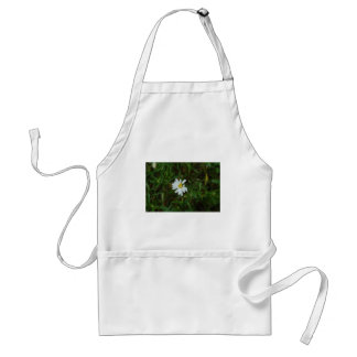 simple daisy aprons