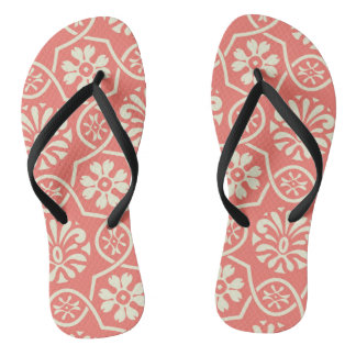 Simple floral pattern flip flops for everyday wear