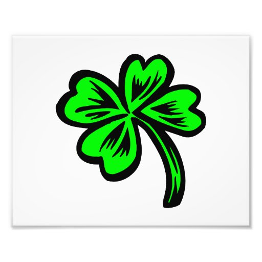 simple four leaf clover st pats green.png photograph