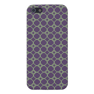 Simple Quatrefoil Pattern in Purple and Lime Green iPhone 5/5S Cases