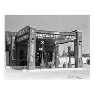 Sinclair Gas Station, 1939 Postcard