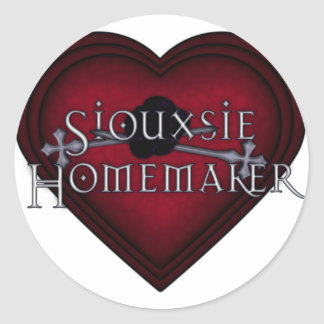 Siouxsie Homemaker Knitting (Red) Classic Round Sticker