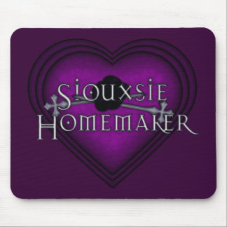 Siouxsie Homemaker Knitting (Violet) Mouse Mat
