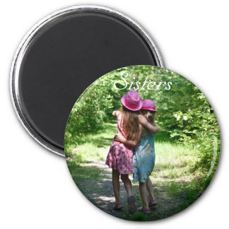 Sisters Friendship in the Rustic Spring Country 6 Cm Round Magnet