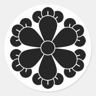 Six cloves round sticker