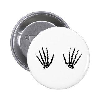 Skeleton hands finger 6 cm round badge