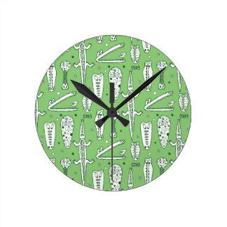 Sketch Crocodile Pattern Round Clock