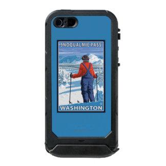 Skier Admiring - Snoqualmie Pass, Washington Incipio ATLAS ID™ iPhone 5 Case