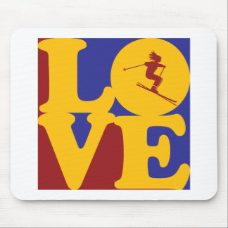 Skiing Love Mouse Pad