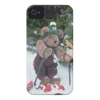 Skiing Teddy Bears on the slopes iPhone 4 Case-Mate Case
