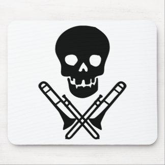 skull and trombones mouse mat