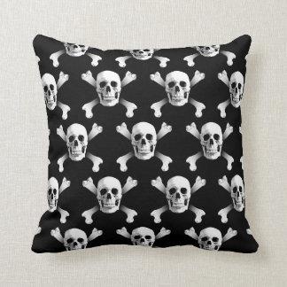 Skull & Crossbones / Pillow