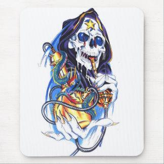 skull death bong mouse mat