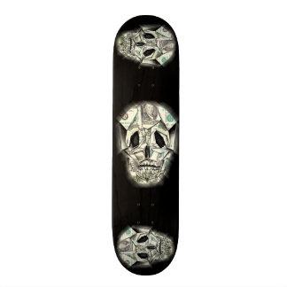 Skull design skateboard