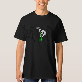 skull drinking green stuff t-shirt