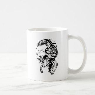 Skull using Headphone Coffee Mug