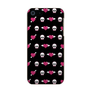 Skulls and hearts incipio feather® shine iPhone 5 case