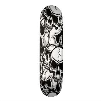 Skulls United Skateboard