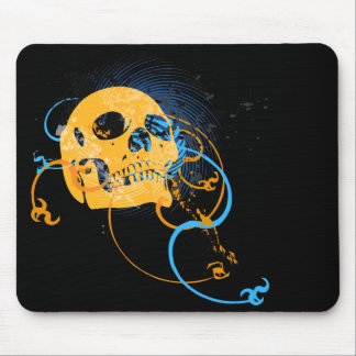 skullz. up twisted arrows. mouse mat