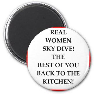 sky diving 6 cm round magnet