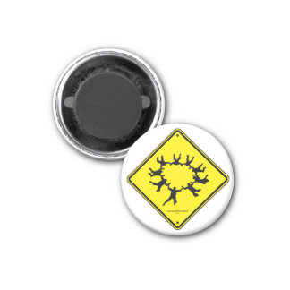 Skydivers Caution Sign 3 Cm Round Magnet
