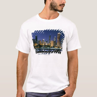 Skyline of Downtown Chicago at night T-Shirt