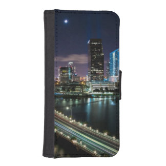 Skyline of Miami city with bridge at night iPhone SE/5/5s Wallet Case