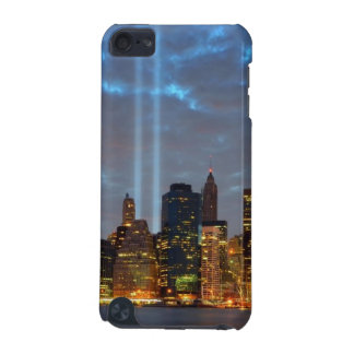 Skyline view of city in night. iPod touch (5th generation) case