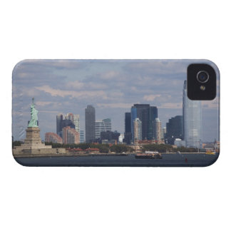 Skyline with Statue of Liberty Case-Mate iPhone 4 Case