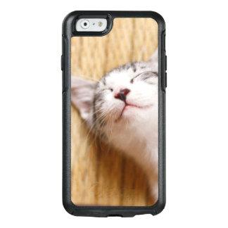 Sleeping Kitten On Tatami Mat OtterBox iPhone 6/6s Case