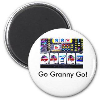 Slot machine, Go Granny Go! 6 Cm Round Magnet