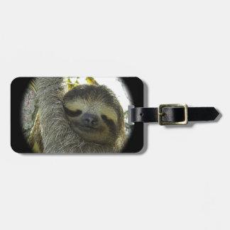 Sloth round mask luggage tag