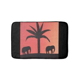 Small bath mat with elephant design