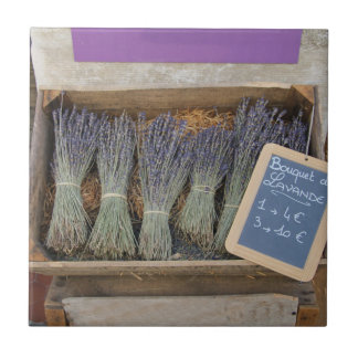 Small bouquets of lavender tile