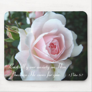 Small delicate pink rose mouse mat