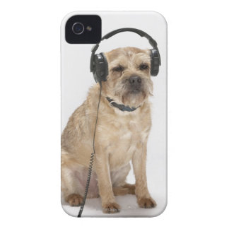 Small dog wearing headphones iPhone 4 cover