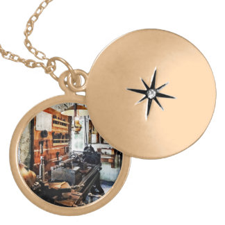 Small Lathe in Machine Shop Custom Jewelry